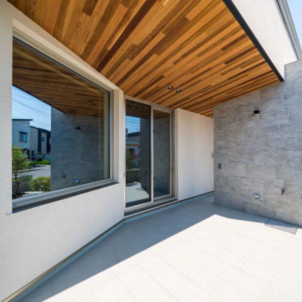 terrace yardの家