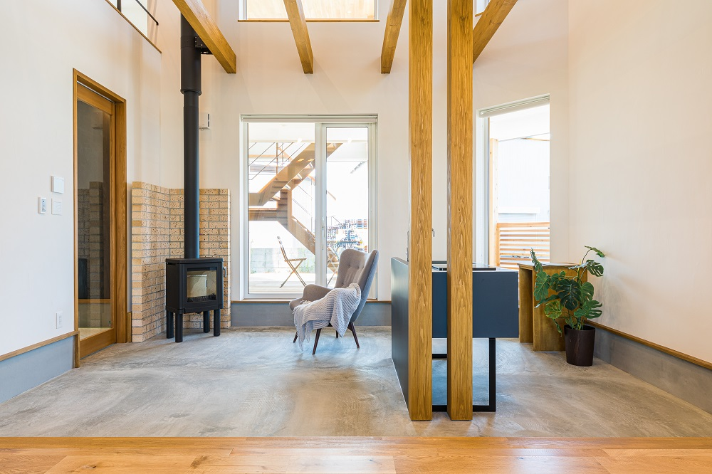 ふたつの階段の家